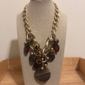 Jewelry - Gold and brown chained necklace
